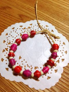Paper beads bracelet Paper Beads, Handicraft, Beaded Bracelets, Handmade, Collection, Craft, Hand Made, Arts And Crafts, Pearl Bracelets
