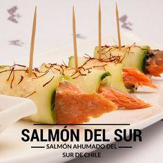 Salmón ahumado en caliente de Salmón del Sur. El sur de Chile en tu mesa. salmondelsur.cl Caramel Apples, Chile, Salmon, Dairy, Desserts, Food, Smoked Salmon, Tailgate Desserts, Deserts