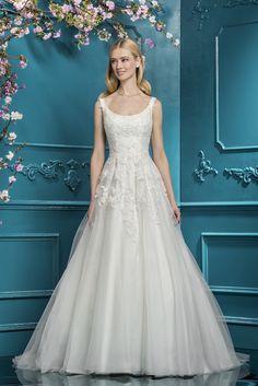 Courtesy of Ellis Bridals Wedding Dresses; www.ellisbridals.co.uk