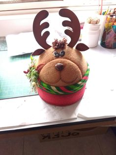 70 ideas for cupcakes decoration navidad natal Clay Pot Crafts, Foam Crafts, Baby Crafts, Felt Christmas Decorations, Christmas Crafts, Christmas Ornaments, Christmas Ideas, Yule Crafts, Reindeer Craft