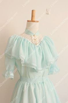 Vintage Palace Green Lace Long Doll Collar Short Sleeves Fashion $83 u.s.
