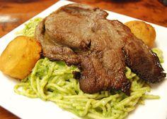 tallarines verdes con bistec apanado!