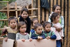 Children in #NongKhiaw, #Laos - www.gdecooman.fr portfolio, cours et stages photo à Lille, visites guidées de Lille