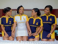 A collection of Nigerian brides and bridesmaids ditched bridal robes this year and chose to wear unconventional pieces such as denim shirts, sportswear, dashiki, etc. African Bridesmaid Dresses, African Dresses For Kids, Latest African Fashion Dresses, African Wear, Nigerian Wedding Dresses Traditional, Shower Dress For Bride, Kente Dress, Nigerian Bride, Bridal Photoshoot