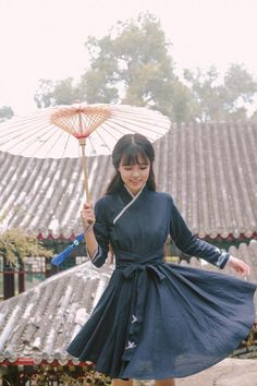 """Designs from 川黛 inspired by traditional Chinese hanfu, Part 1 (Part 2). This type of fashion that incorporates elements of traditional hanfu is called """"汉元素/hanyuansu"""". (note: the model is the designer!)"""