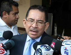 Según Eugenio Chicas, Funes fue elegido diputado al Parlacen desde que asumió la presidencia > http://www.lapagina.com.sv/nacionales/96302/2014/06/11/Funes-fue-elegido-diputado-al-Parlacen-desde-que-asumio-la-presidencia