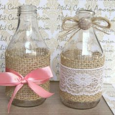 Diy Bottle, Wine Bottle Crafts, Bottle Art, Crafts With Glass Jars, Mason Jar Crafts, Bottles And Jars, Glass Bottles, Burlap Crafts, Diy And Crafts