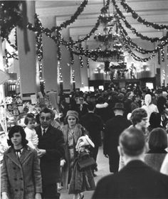 Christmas shopping, Higbee's :: Cleveland Press Collection from 1965