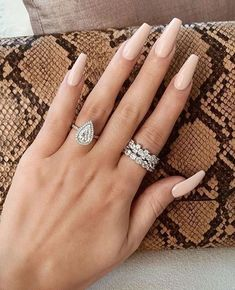 49 the best neutral nail art designs 2019 page 10 Nails Kylie Jenner, Neutral Nail Art, Neutral Nail Designs, Sky Nails, Gradient Nails, Best Acrylic Nails, Prom Nails, Wedding Nails, Stylish Nails