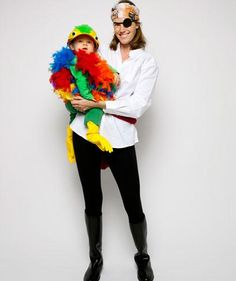 Last-Minute Halloween Costumes: Pirate and Parrot #halloween #costume #diy