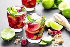 Raspberry mojito cocktail with lime, mint and ice, cold, iced refreshing drink or beverage By sea_wave¡¯s photos , Vodka Mojito, Mojito Drink, Mojito Cocktail, Gin Mojito Recipe, Vodka Lime, Lime Juice, Tequila Sunrise, Refreshing Drinks, Margaritas