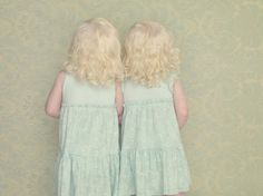 Helena and Mariana | The Albinos project by Gustavo Lacerda