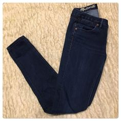 Madewell skinny skinny jeans Madewell skinny skinny jeans. No holes rips stains tears or pulls. Worn once Madewell Jeans Skinny