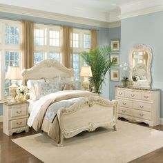 This French Rococo Furniture set is my dream bedroom