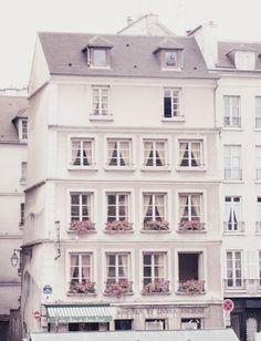 Window boxes Paris