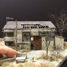 Collecting toy trains is a very popular hobby among many people. Ho Trains, Model Trains, 40k Terrain, Military Diorama, Miniature Houses, Model Building, Model Homes, Architecture, Scale Models