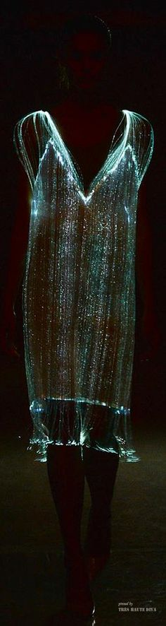 Richard Nicholl S/S 2015 - I would only wear this dress with phosphorescent lenses at night.