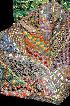 Another mosaic sculpture from Maylee Christie...It's like some kind of psychedelic dream.