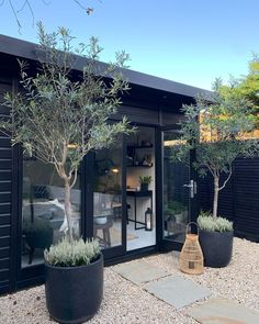 new garden building is looking oh so stylish 💁♂️ . We helped Justin to design the perfect building for Backyard Office, Backyard Studio, Garden Office, Back Gardens, Outdoor Gardens, Small Gardens, Garden Cottage, Home And Garden, Small City Garden