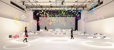 To present its fall/winter 2015-2016 collection at the Zojoji Temple in Tokyo, Italian fashion brand Furla has commissioned Tokyo-based French architect and designer Emmanuelle Moureaux to design an installation to give colors to the new venue.