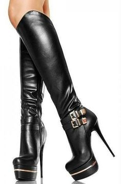 If the footprint reveals your entire foot, then you are said to have a flat arch… - Kniehohe Stiefel Platform High Heels, Black High Heels, High Heels Stilettos, Stiletto Heels, Thigh High Boots, High Heel Boots, Heeled Boots, Bootie Boots, Ankle Booties