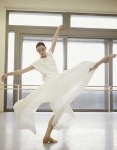 Harpers Bazaar April 2014 Poetry in Motion - Royal Ballet Models Fashion DKNY dress #dance #ballet