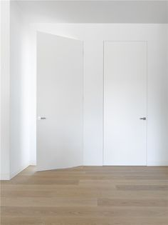 The Bod'or collection constitutes a range of unique doors, from basic to iconic, completed with a choice from various opening and closing systems, plus the right trimmings, and high-quality locks and hinges.
