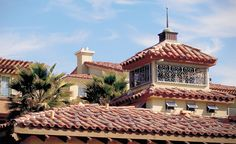 Marriott's Newport Coast Villas, CA - Corona Tapered in 4 Different Custom Blends Newport Coast Villas, Clay Roof Tiles, Urban Apartment, San Dimas, House Roof, Hotels And Resorts, Custom Homes, Mansions, House Styles