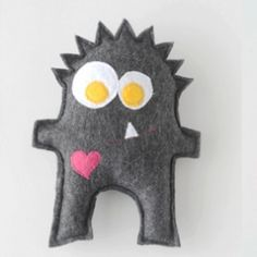 Oh MY are these darling!  FREE patterns for these 5 little monsters!