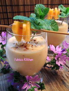 Fulvia's Kitchen: #Ricetta #light - #Smoothie al #melone, con #cocco e #granella di #nocciole