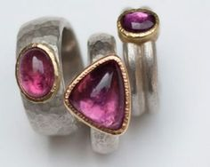 Selection of rings in sterling silver, 18 carat yellow gold, pink tourmaline.