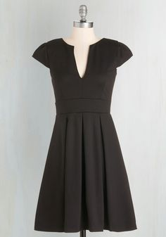 Meet Me At the Punch Bowl Dress in Noir. Delight taste-testers left and right as you dole out your perfectly blended punch in this black dress. #black #modcloth