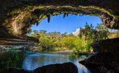 Piscinas naturais no Hamilton Pool Preserve no Texas, EUA © Srini Sundarajan #momondo