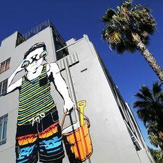 A arte pintada pelo californiano Bumblebee Loves You, tem o título que é a cara de Santa Monica: Beach Day – Dia de Praia!