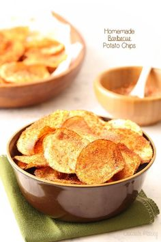 Crispy homemade potato chips tossed in a spicy barbecue seasoning are easier to make at home than you think! Recipes for baked potato chips and fried potato chips provided. Potato Chips Homemade, Fried Potato Chips, Potato Chips Baked, Crispy Chips, Chip Seasoning, Bbq Seasoning, Barbacoa, Barbecue Chips, Tapas