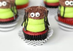 Oreo Spider Cupcakes - Confessions of a Cookbook Queen