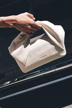 TWIST BAG, FLESH/BEIGE