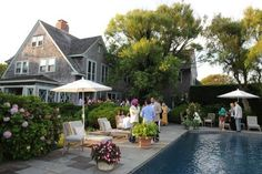 Sally Quinn and Ben Bradlee Host a Cocktail Party at the storied Grey Gardens Grey Gardens House, Gray Gardens, Nantucket Home, Alec Baldwin, Celebrity Houses, Celebrity Mansions, Outdoor Living, Outdoor Decor, Cool Pools