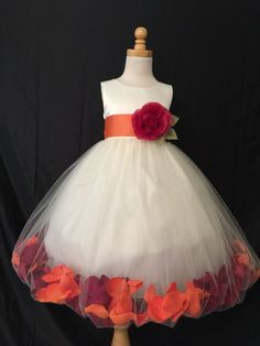 Ivory Flower Girl Bridesmaids Elegant Fall Thanksgiving Wedding Girl Dress autumn wedding colors / wedding in fall / fall wedding color ideas / fall wedding party / april wedding ideas Wedding Reception Ideas, Church Wedding Flowers, White Wedding Flowers, Orange Wedding, Flower Bouquet Wedding, Wedding Colors, Wedding Ceremony, Wedding Planning, Yellow Flowers