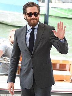 We can't resist Jake Gyllenhaal, especially when he rocks a full beard, a perfectly tailored suit and dapper sunnies!