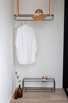 Kohde Talo Korea #asuntomessut #eteinen #asuntomessut2019 Wardrobe Rack, Wordpress, Bathroom, Korea, Furniture, Home Decor, Washroom, Decoration Home, Room Decor