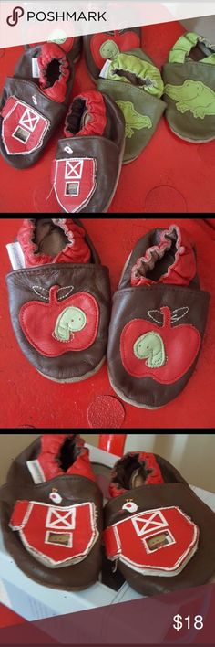 Bundle of shoes Bundle of 3 pair of infant Robeez.  Size 6-12 months.  GUC.  Smoke free, pet free home. Robeez Shoes Baby & Walker