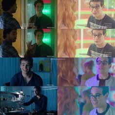 """No Matter the Dimension. Simon is the Most Adorable Person! - @albertorosende #Shadowhunters Episode 11 #TheWorldInverted  #SimonLewis #vampSimon…"""
