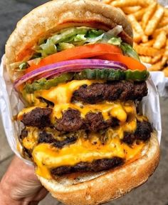 : losangeles_eats - March 06 2019 at - and Inspiration - Yummy Fatty Meals - Comfort Foods Recipe Ideas - And Kitchen Motivation - Delicious Steaks - Food Addiction Pictures - Decadent Lifestyle Choices I Want Food, Love Food, My Burger, Big Burgers, Burger Menu, Burger Recipes, Food Porn, Sandwiches, Best Food Ever