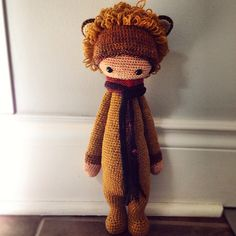 LONI the lion made by Erin M. / crochet pattern by lalylala