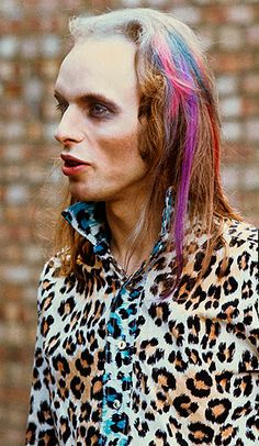 """Beyond glam: Roxy Music's Brian Eno at the Royal College Of Art, London, July 5 by Brian Cooke "" Coldplay, Make Makeup, Makeup Looks, Flat Top Fade, Banana Skirt, Disco Makeup, Festival Makeup Glitter, Roxy Music, Justin Timberlake"