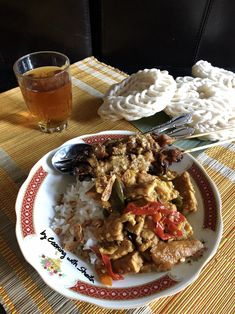 Cooking with Sheila Gondowijoyo Indonesian Recipes, Indonesian Food, Main Menu, Chicken Wings, Meat, Cooking, Kitchen, Indonesian Cuisine, Brewing