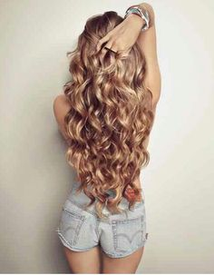 Gorgeous long wavy hair