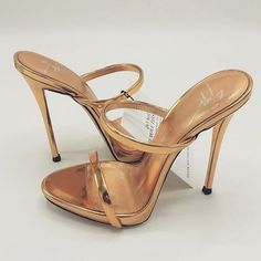 Pinterest @18Redhead Hot High Heels, Sexy Heels, Pretty Shoes, Cute Shoes, Nylons Heels, Shoes Heels, Stilettos, Beautiful High Heels, Sneaker Heels