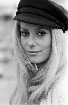 Catherine Deneuve, no filme Manon 70, 1968